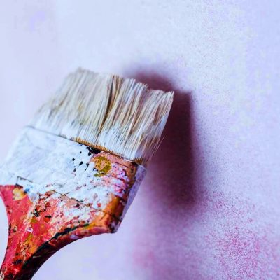 brush-painting-the-white-wall-6368 (1) (1)